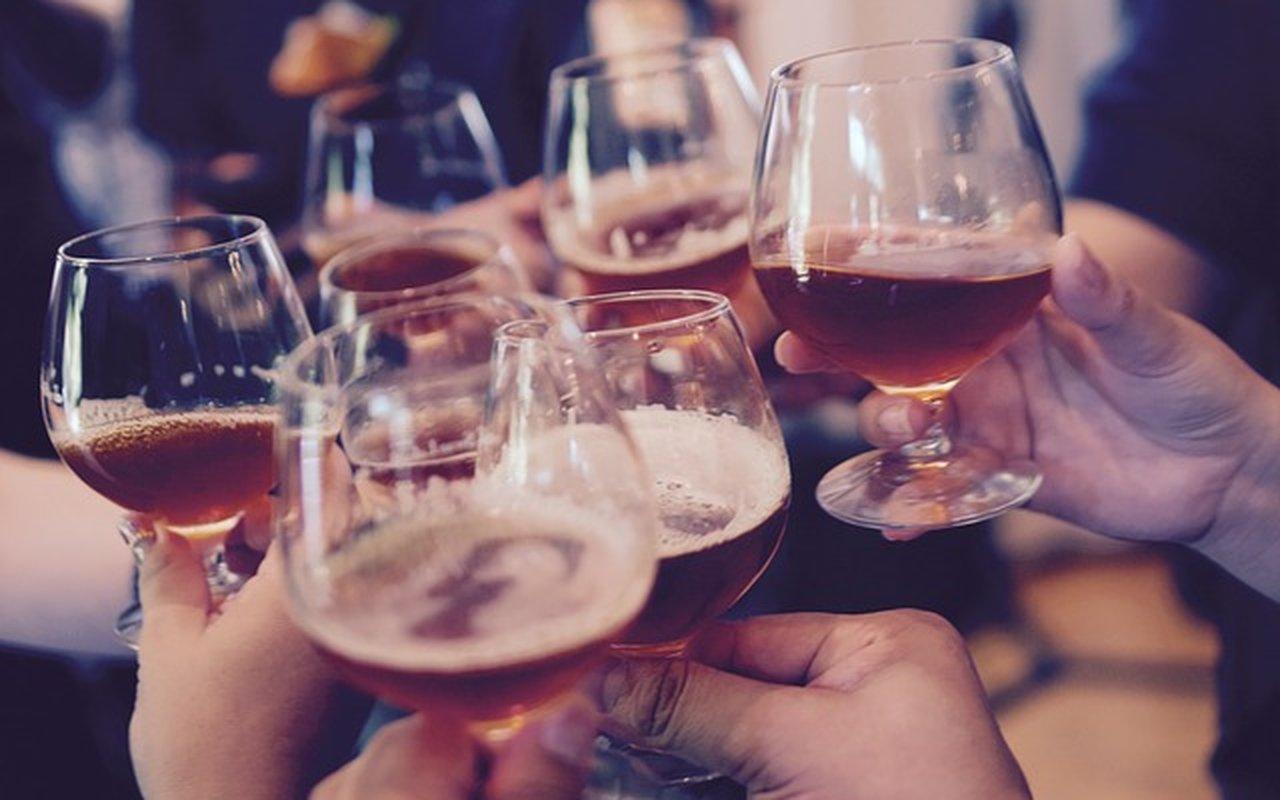 Da li intelektualci piju više?